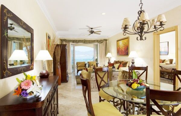 Advice for Decorating a Tropical Home